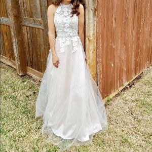 Dresses & Skirts - Ivory lace gown